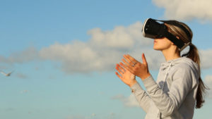 VR_Headset_Clouds