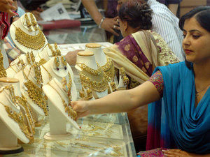 jewellers-use-virtual-reality-to-give-unique-experience-to-customers