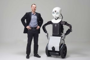 120502_8037_robots081_2400x1600